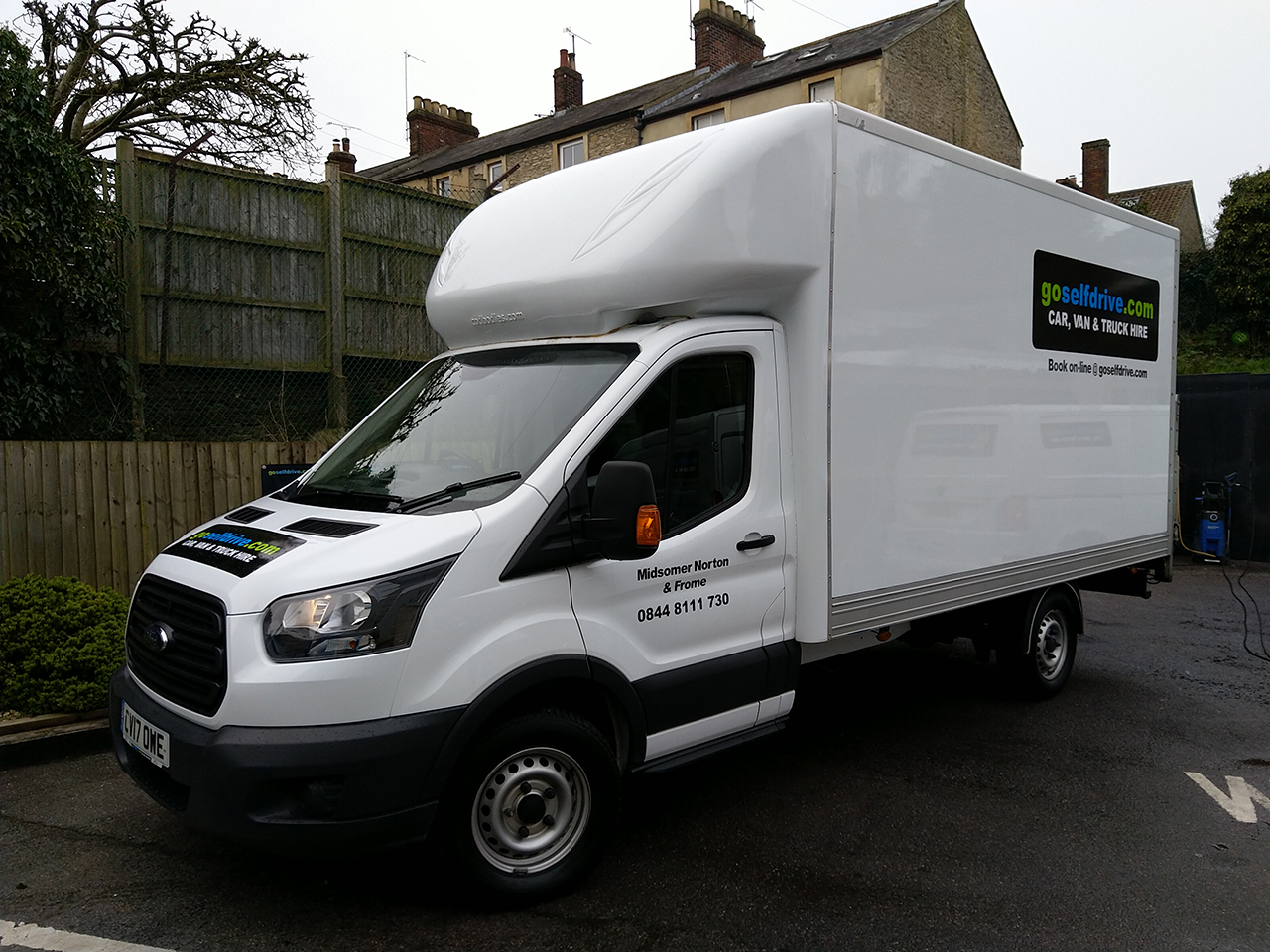 1cf685ce4c Luton Van with Tail Lift Hire